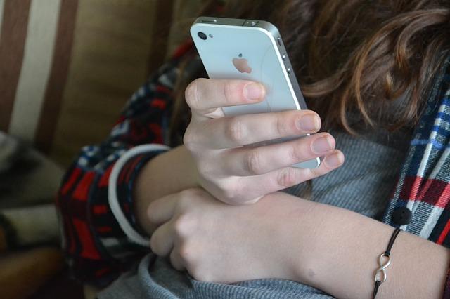 Vyzkoušeli jste už SMS půjčky ihned?
